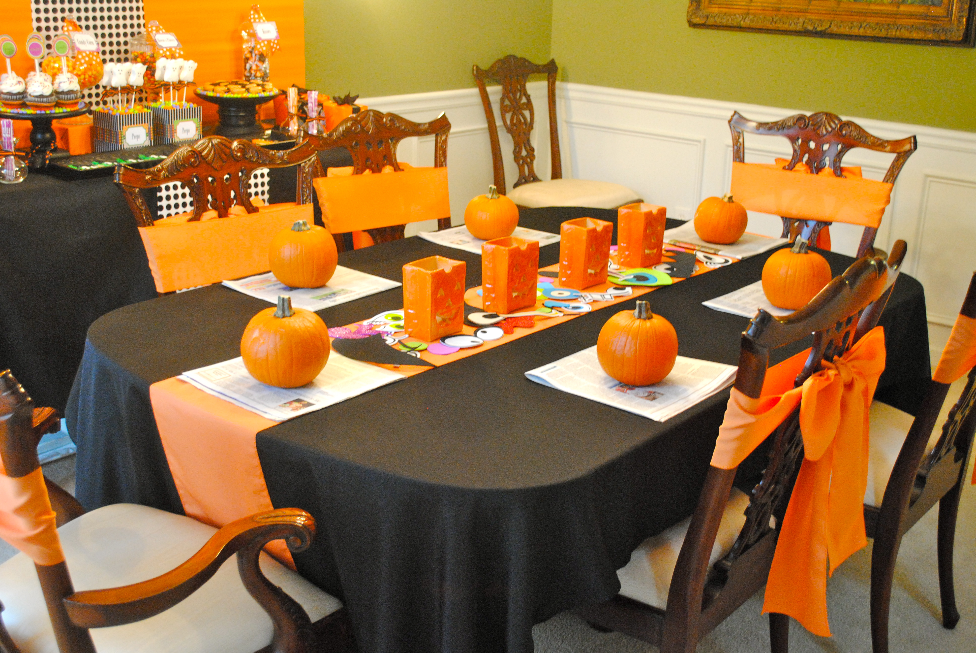 Halloween tablecloths - Welcome