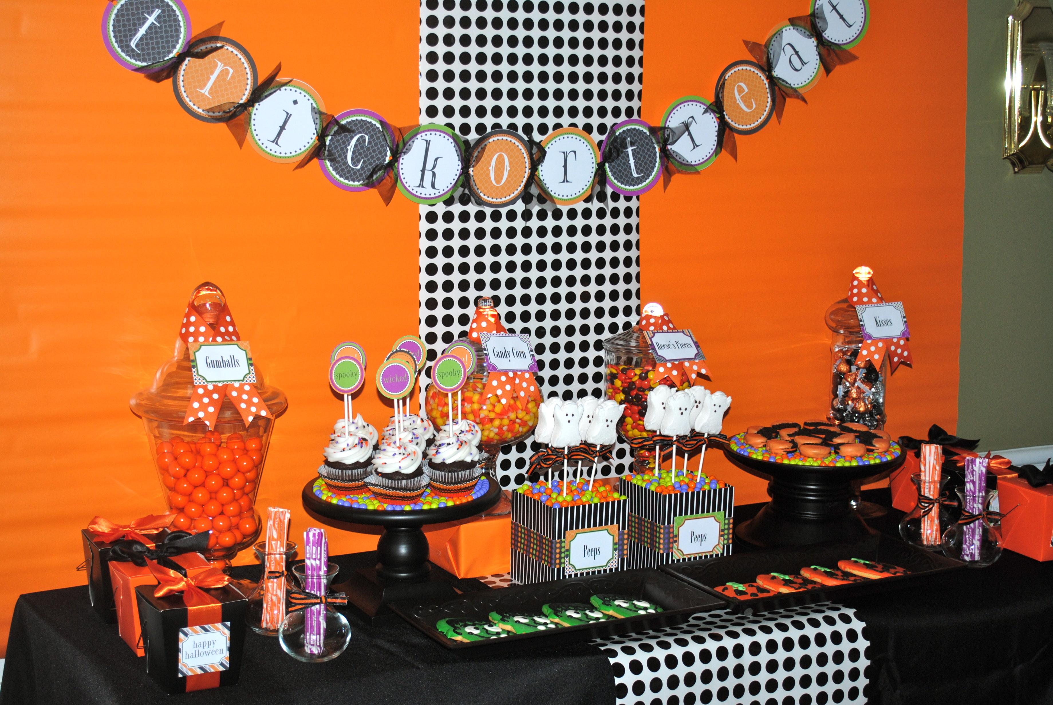 My Parties: Sweet (Not Spooky) Halloween Party - Part 1